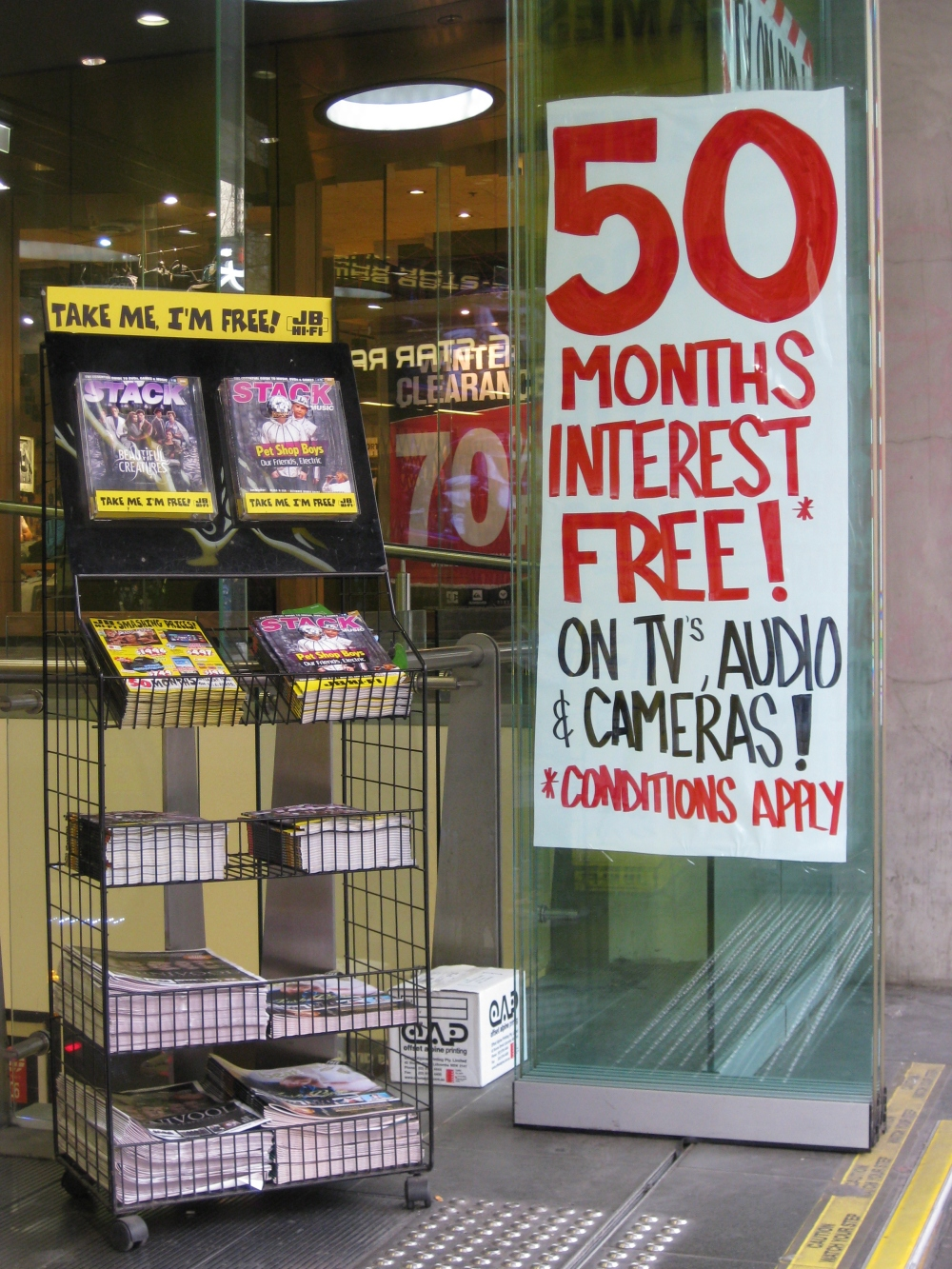 Electronics store in Melbourne's city offers generous installment agreement payment plans. Photo: Mabel Kwong