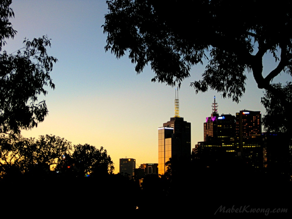 Summer sunset city views, Melbourne. A pretty sight | Weekly Photo Challenge: Summer Lovin'.