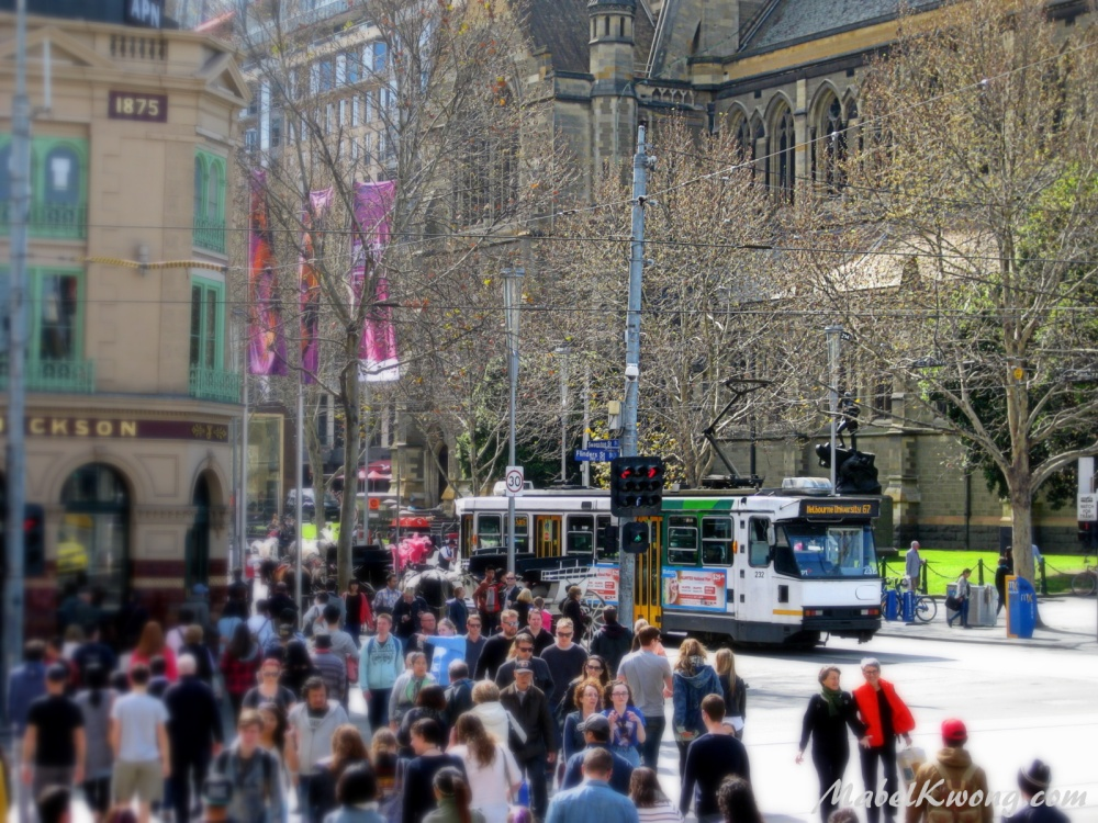 Melbournians right at home in the hustle and bustle of the CBD.