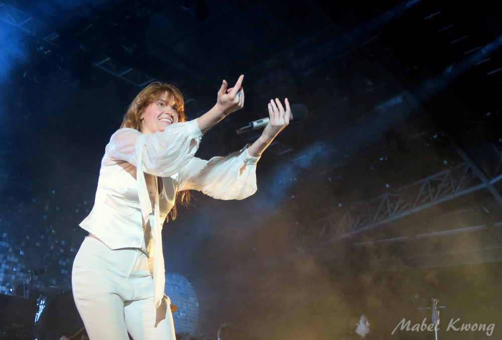 I see someone out there. Florence and the Machine, Melbourne 10 November 2015 | Weekly Photo Challenge: Eye Spy