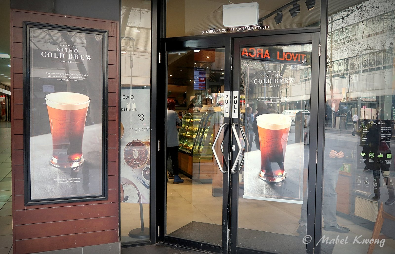 Nitro Cold Brew Looks Like A Beer Starbucks Australia