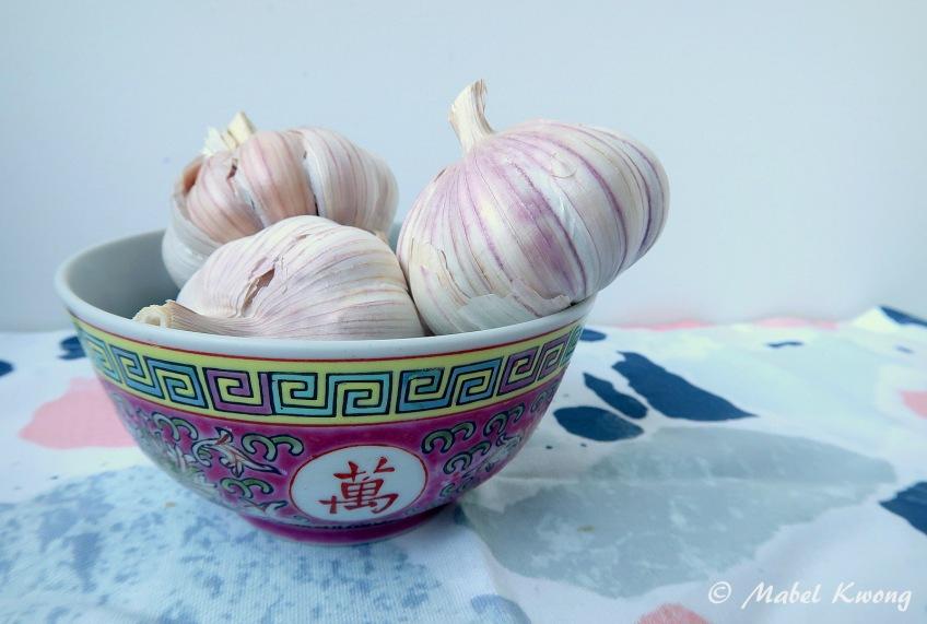 Garlic and Chinese Mun Shou Rice Bowl